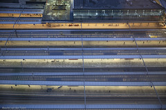 Doorstroomstation (1) (Maurits van den Toorn) Tags: station gare bahnhof utrecht centraalstation luchtfoto vonoben ns perron bahnsteig evening night avond lighting verlichting lights