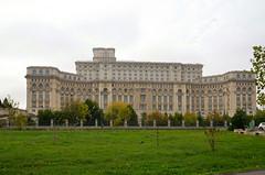Boekarest, het paleis van Nicolae Ceaușescu, Roemenië 2016 (wally nelemans) Tags: boekarest paleisceaușescu parlementsgebouw palatulparlamentului romanis 2016 bucurești romania roemenië