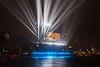 Abschluss des Eröffnungskonzerts (Lilongwe2007) Tags: hamburg elbphilharmonie spiegelung eröffnung konzert deutschland wasser illumination lasershow lichtshow architektur moderne