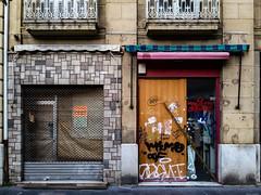 ... (Lanpernas 3.0) Tags: postalesparalarecuperación donostia 2017 comercio cerrado recuperación closed donostiaoculta