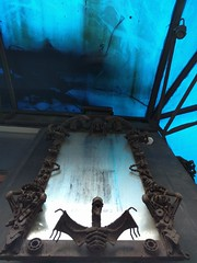 Blue world with dragon mirror - Bangkok (ashabot) Tags: bangkok bangkokstreetscene streetscenes street streetart blue strange thailand thai weird mirror goth metalart sculpture