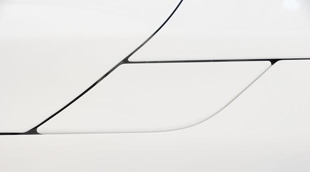 white canada lines design automotive minimalism barrie astonmartin vantage odc 2015 fuelfillerdoor ontartio georgiancollegeautoshow gtcoupe