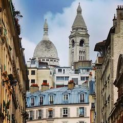 In the shadow of Sacr-Coeur (Toni Kaarttinen) Tags: paris france tower frankreich frana montmartre sacrcoeur frankrijk prizs francia iledefrance parijs parisian pars  parigi frankrike  pary   francja ranska pariisi  franciaorszg  francio parizo  frana