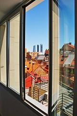 "Vista de las 4 torres desde Tetuán • <a style=""font-size:0.8em;"" href=""http://www.flickr.com/photos/118229253@N04/20049752435/"" target=""_blank"">View on Flickr</a>"