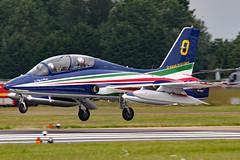 MM55053 (GH@BHD) Tags: mm55053 aermacchi mb339pan mb339 iaf italianairforce freccetricolori aerobatic raffairford fairford riat riat2014 royalinternationalairtattoo military trainer aircraft aviation