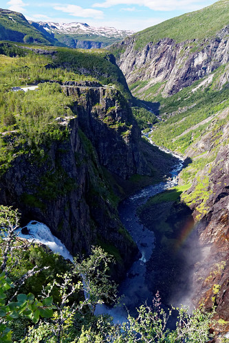 Vøringfossen: Waterfall and Canyon