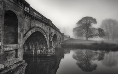 A Bridge to the past (Captain Nikon) Tags: jamespaine bridge arches chatsworthhouse chatsworth edensor derbyshire peakdistrict moody misty mist silhouettes statues riverderwent river reflections atmospheric nikond7000 sigma1020mmf4 grade1listed derbyshiredales balustrades historic fog foggy