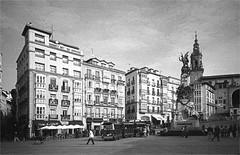 vitoria-gasteiz (thomasw.) Tags: vitoria gasteiz baskenland paisvasco spain spanien espana europe europa 35mm bw analog kb bn sw travel street