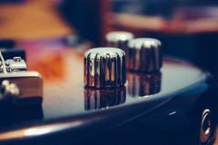 IMG_4806 (lumea imi zice Tohater) Tags: bass guitar pots knobs ibanez 4 strings sunburst