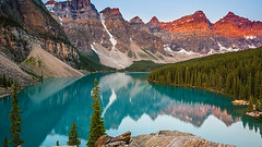 Alpenglow at Moraine Lake (bdtravel) Tags: alberta alpenglow banff banffnationalpark canada canadianrockies morainelake nationalpark sunrise tenpeaks water