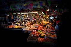 Banca de Frutas/ Mercado do Bolhão, Porto, Portugal (Fandrade) Tags: bancadefrutas frutas mercadodobolhão cidadedoporto porto portugal mercado marketplace port portcity bolhãomarket fruits fruitstand bolhão