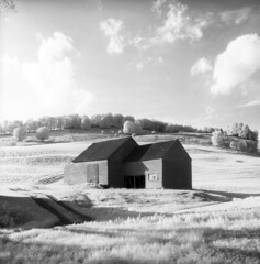 100459 03 (ndpa / s. lundeen, archivist) Tags: nick dewolf nickdewolf october bw blackwhite photographbynickdewolf 1959 1950s film 6x6 mediumformat monochrome blackandwhite vermont ruralvermont rural farm farmland infrared infraredfilm landscape hills tree trees sky clouds building buildings whitemountains house home