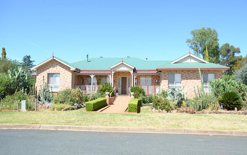 26 William Street, Temora NSW 2666