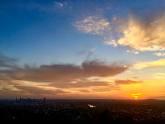 Brisbane sunrise (NettyA) Tags: 2017 appleiphone6 australia brisbane mtcoottha mtcootthalookout qld queensland clouds sunrise mountcoottha au