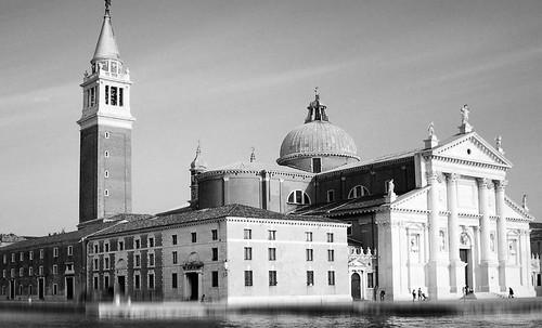 "Torres legendarias / Faros, minaretes, campanarios, rascacielos • <a style=""font-size:0.8em;"" href=""http://www.flickr.com/photos/30735181@N00/32493404706/"" target=""_blank"">View on Flickr</a>"