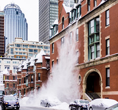 Snow Crash ((Jessica)) Tags: snowcrash fallingsnow rooftop snowfallingoffroof building downtown prudential boston intersection street cars action massachusetts newengland city snow winter