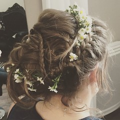 """Coiffure Mariée Nature • <a style=""""font-size:0.8em;"""" href=""""http://www.flickr.com/photos/115094117@N03/17985924253/"""" target=""""_blank"""">View on Flickr</a>"""