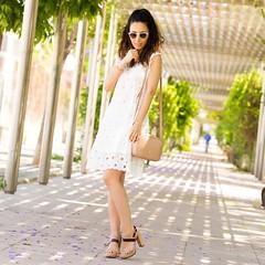 Adoro este look con sandalias y bolso nude. Recuerda que hoy es el ltimo da en el que puedes ganar un #bolso o unas #sandalias como stas (o los que prefieras de todo el catlogo) en el sorteo de @menburshoes ! Mira en mis fotos del 11 junio la del sort (WOWS_) Tags: woman white blanco girl beauty look fashion bag nude outfit lace sandals moda blogger belleza bolso sandalias maquillaje encaje crossbody bloguera guipur guipure influencer fashionblogger instagram