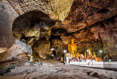 Krasae Cave (hugociss) Tags: cliff station river thailand temple buddha buddhist culture railway cave kanchanaburi noi kwai tham deathrailway saiyok krasae burmarailway wangpho khwae thamkrasae