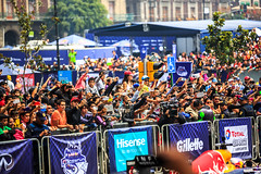 The audience taking pictures. Infiniti Red Bull Racing F1 Showrun Mexico City 2015 (Naughty Danny) Tags: people 3 mexicocity df gente audience australian siemens australia f1 renault formulaone australiano autoracing total zo formula1 spectator redbull att zocalo infiniti distritofederal rauch audiencia zcalo pirelli geox ciudaddemxico alpinestars pepejeans pzero rb7 redbullracing espectadores visitmexico formulaoneracing sonax tororosso cdmx singah showrun redbullmobile theredbulletin danielricciardo scuderiaredbull totalpetrol f1showrun servustv platformcomputing infinitiredbullracing exness 20denoviembrestreet infinitimotorcompany redbullracingrb7 f1showruncdmexico
