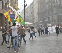 Demo gegen die Bombardierung Kurdischer Stellungen durch die Trkei in #Wien (daniel-weber) Tags: vienna wien demo austria die trkei durch gegen  kendi stellungen pyd herkes genler  mutlaka    bombardierung kurdischer   barsabar evresini savasasavaviyana katmal