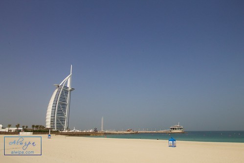 "Burj Al Arab • <a style=""font-size:0.8em;"" href=""http://www.flickr.com/photos/104879414@N07/20236947041/"" target=""_blank"">View on Flickr</a>"