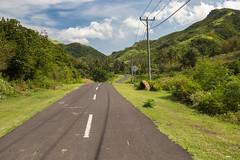 Driving on Jalan Mawun to Kuta (Tim&Elisa) Tags: java indonesia lombok canon asia road lonelyroad green kuta clouds mountains