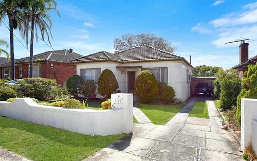 37 Little Rd, Bankstown NSW 2200