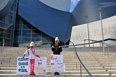 March to the Hall (Pedestrian Photographer) Tags: march women womens jan january 2017 dtla downtown los angeles california cal cali socal southern dsc3784b dsc3784 girl girls signs climate change walt disney music concert hall ribbet