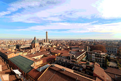 Bologna è una regola- Luca Carboni (vale3vale) Tags: bologna piazzagrande sanpetronio montagnola emiliaromagna viapiella torredegliasinelli