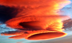 Nube lenticular (Antonio Chacon) Tags: andalucia amanecer costadelsol cielo españa spain sunrise marbella málaga cloud sky