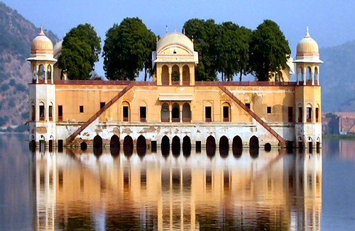 Small lake Palace, Jaipur por blue foot.