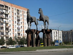 horses-rustawi (grijsz) Tags: sculpture horse art georgia caucasus pferd georgien rustavi rustawi jikia hansheinerbuhr