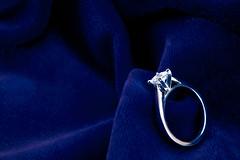 Unite (Robert Tilman) Tags: wedding woman man tag3 taggedout d50 engagement nikon tag2 tag1 velvet ring diamond unite marry