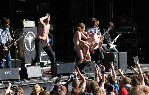 Sex on stage at norwegian music festival