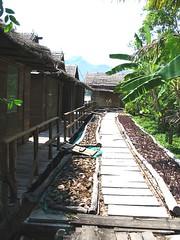 Huts on the river Kwai (lexa_lotus) Tags: thailand kanchanaburi kwai