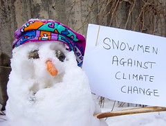The protest of the melting snowman (HyperBob) Tags: warming bonk global bonkers abandofintrepidsnowmen protestagainstclimatechange anddespairoverthekyotoagreement georgebushistoblame happybirthdaystewart globalwarmingawareness