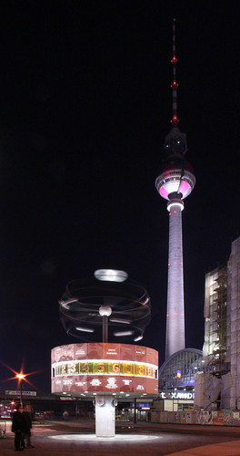 "Berlins landmark ""Fernsehturm"" (TV tower), pic by extranoise (flickr.com)"
