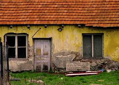 (orsike) Tags: door orange house green window colors grass yellow wall grey bed hungary village little country poor ház sárga szegénység