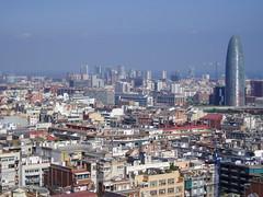BCN (Aerosol) Tags: barcelona roof sky tower azul ventana smog torre bcn cielo catalunya tejado niebla catalua 100club agbar barna vindow contamincain 50club juegopideotra