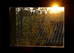 Explosin en la ventana (johan 14) Tags: sol lafotodelasemana ventana explosion catalonia catalunya joserri catalua tarragona altcamp lfscontraluces nulles