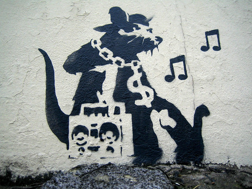 banksy graffiti art. Banksy: Gangsta Rat