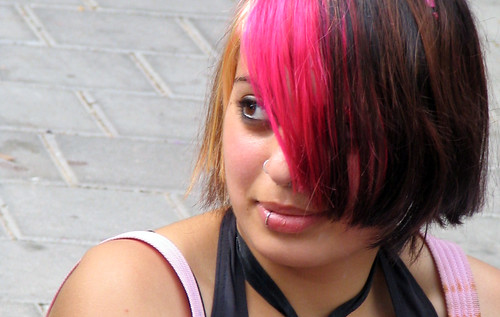 pink emo hairstyle 2011