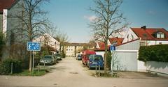 Doppelhäuser auf einem kirchlichen Grundstück an der Bahnhofstrasse