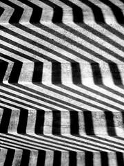Geländer - zurich switzerland zürich shadows zuerich allenmoos schulhaus bannister schulhausallenmoos oerlikon geländer