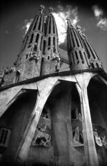 barcelona_008 (dreifachzucker) Tags: barcelona bw espaa analog spain bcn 1996 catalunya analogue sagradafamilia templeexpiatoridelasagradafamilia nikkormatel bwslidefilm