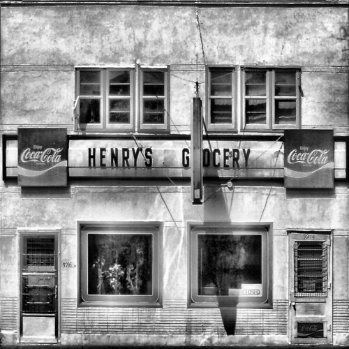 HENRY'S GROCERY