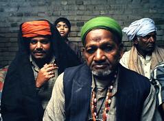 Pakpattan-32 (Nicola Okin Frioli) Tags: pakistan portrait photography photo foto photographer photojournalism punjab pilgrimage fotografo photojournalist okin okinreport wwwokinreportnet nicolaokinfrioli fotogiornalista pakpattan babafareedganj nicolafrioli