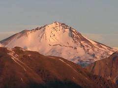 Volcn (Cerro) Azul (Mono Andes) Tags: sunset mountain sunrise trekking landscape atardecer volcano backpacking andes montaa cordillera montaas volcn regindelmaule chilecentral cordilleradelosandes
