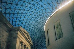 British Museum (Stringendo) Tags: roof glass courtyard britishmuseum novideo pentaxespio15035mmcompact